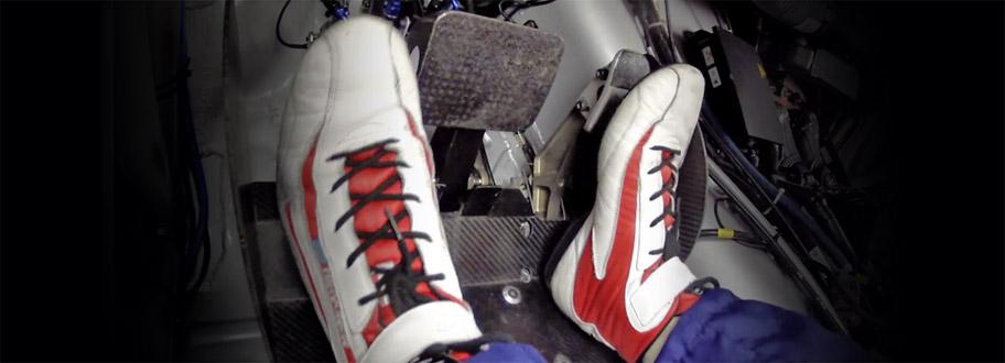 Chaussures et bottines pour la pratique du sport automobile